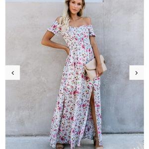 NWOT Vici Kahlo Floral Smocked Maxi Dress
